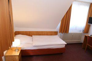 Hotel Bonn Einzelzimmer A Bett